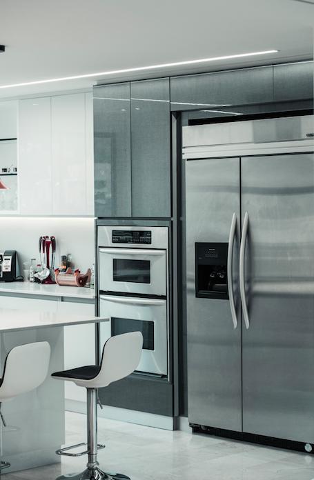 Traditional kitchen trends 2021, kitchen sink trends 2021, kitchen cabinet color, backsplash trends, interior design, kitchen renovation, modern kitchen cabinets