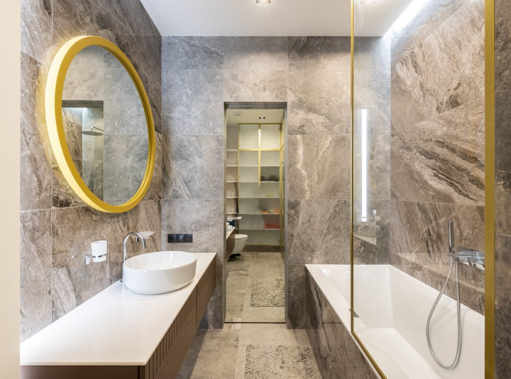 Master bathroom ideas 2021, 2021 bathroom ideas, bathroom decor trends, bathroom trends to avoid, modern, flooring, shower